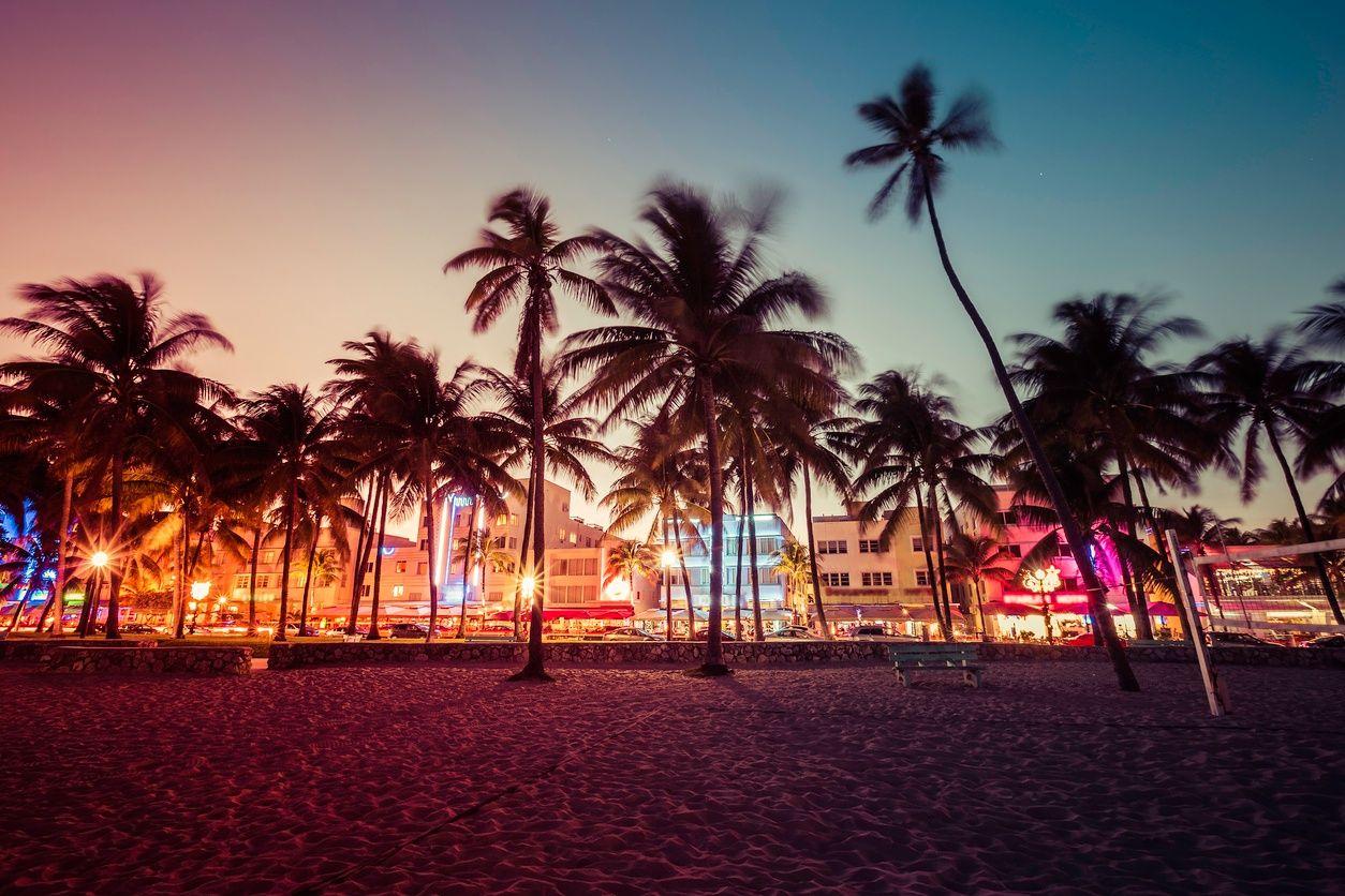 दक्षिण समुद्र तट, मियामी में नाइटलाइफ़ की एक छवि